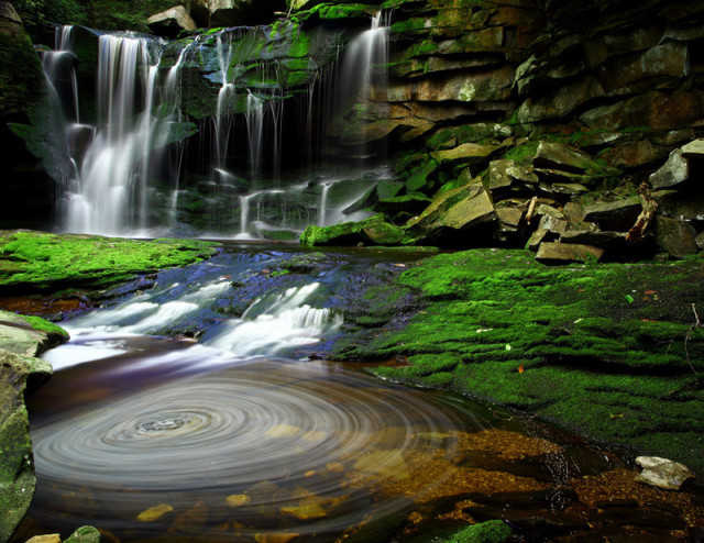 elakala_waterfalls_swirling_pool_mossy_rocks_cover